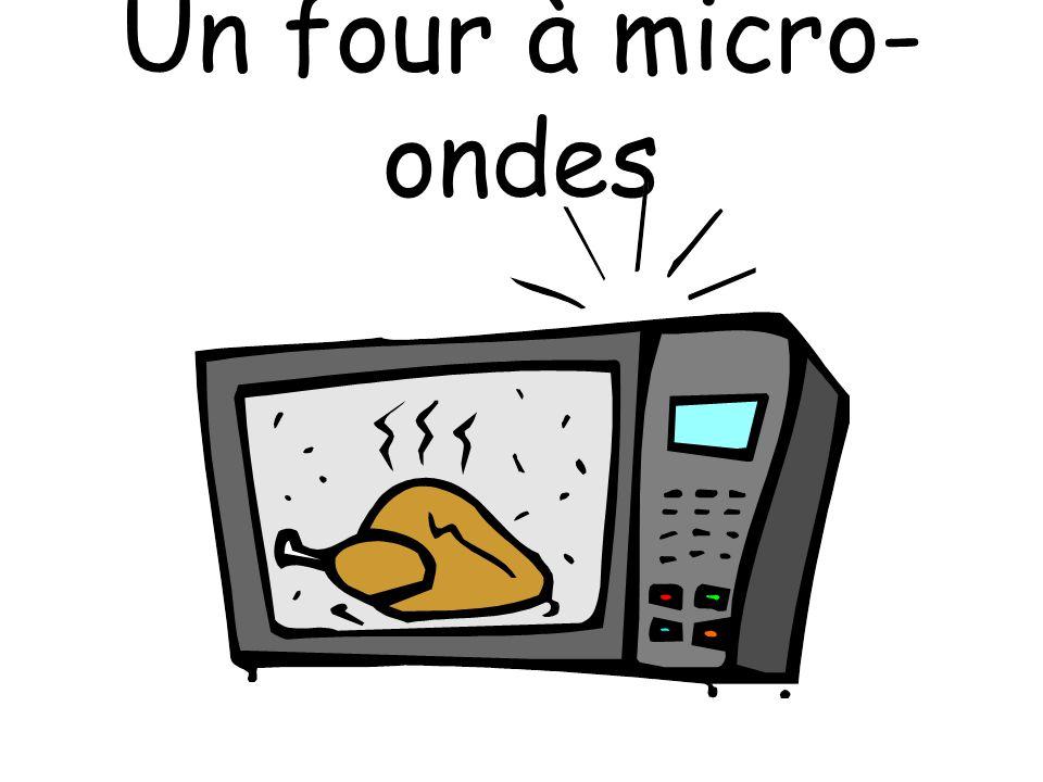 Un four à micro- ondes