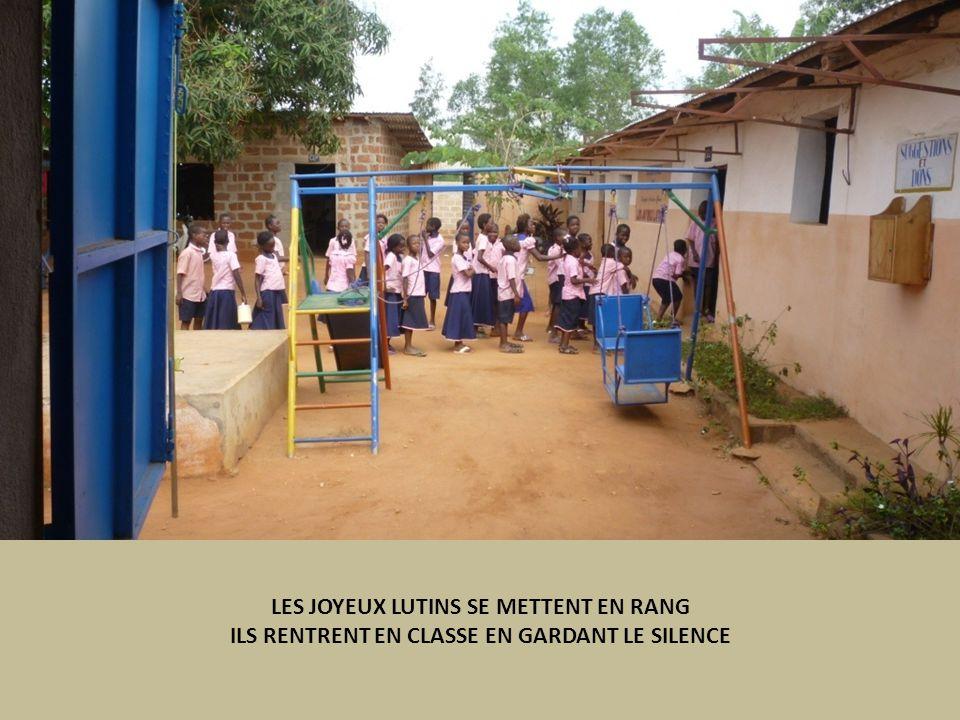 LES JOYEUX LUTINS SE METTENT EN RANG ILS RENTRENT EN CLASSE EN GARDANT LE SILENCE
