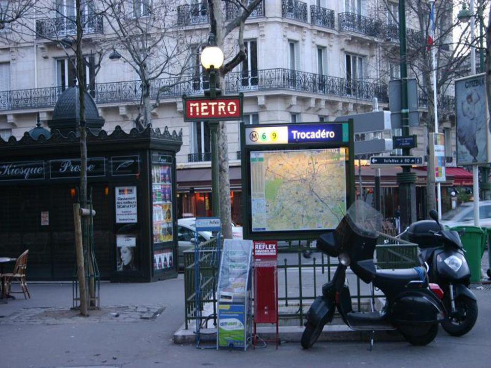 La rue/ Le boulevard/ Lavenue