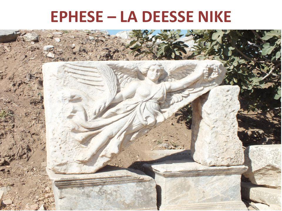 EPHESE – LA DEESSE NIKE