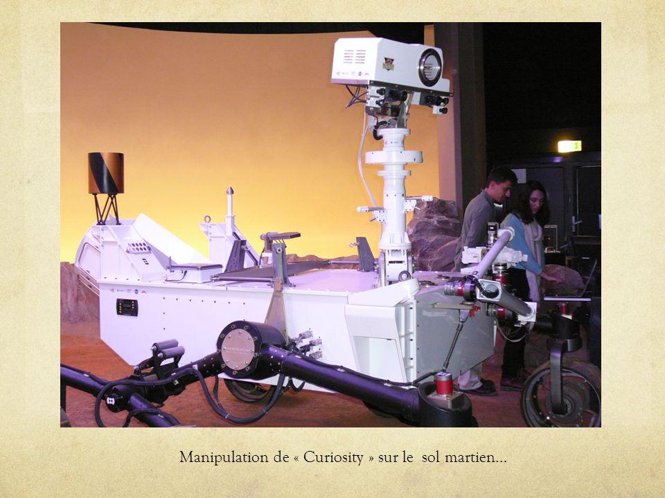 Manipulation de « Curiosity » sur le sol martien…