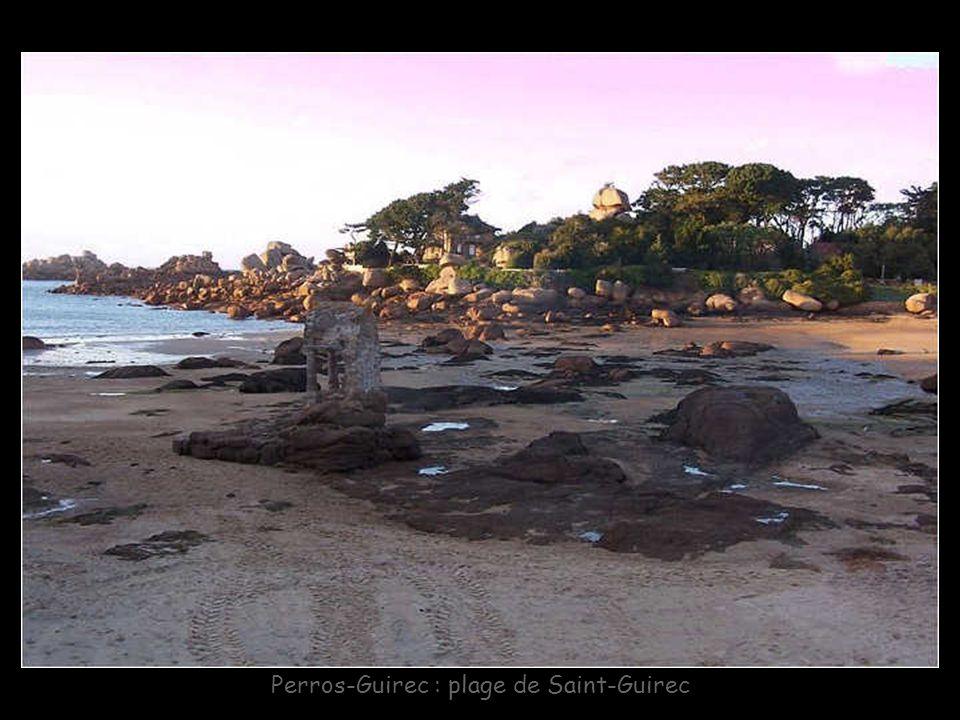 Perros-Guirec : plage de Trestraou