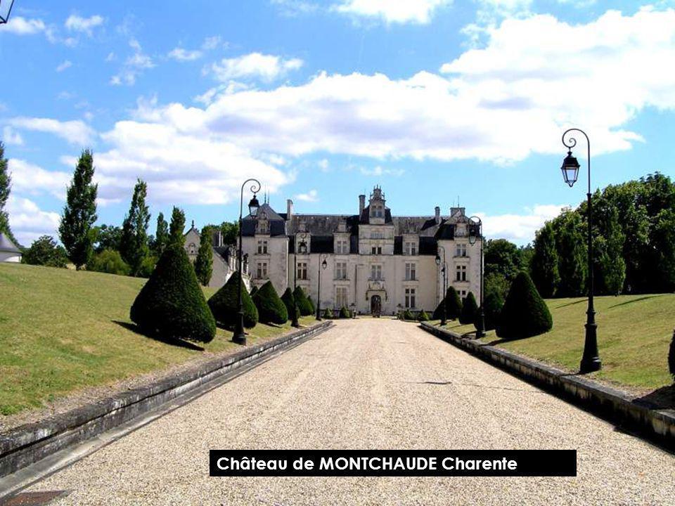 Château de FERRIÈRES MONTBRON Charente