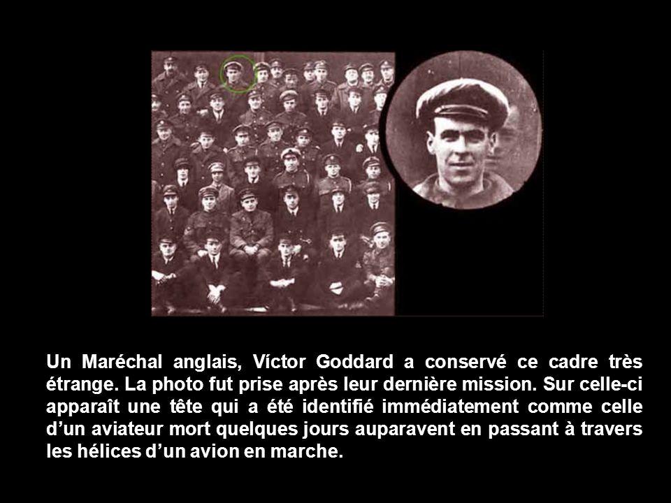 Un Maréchal anglais, Víctor Goddard a conservé ce cadre très étrange.