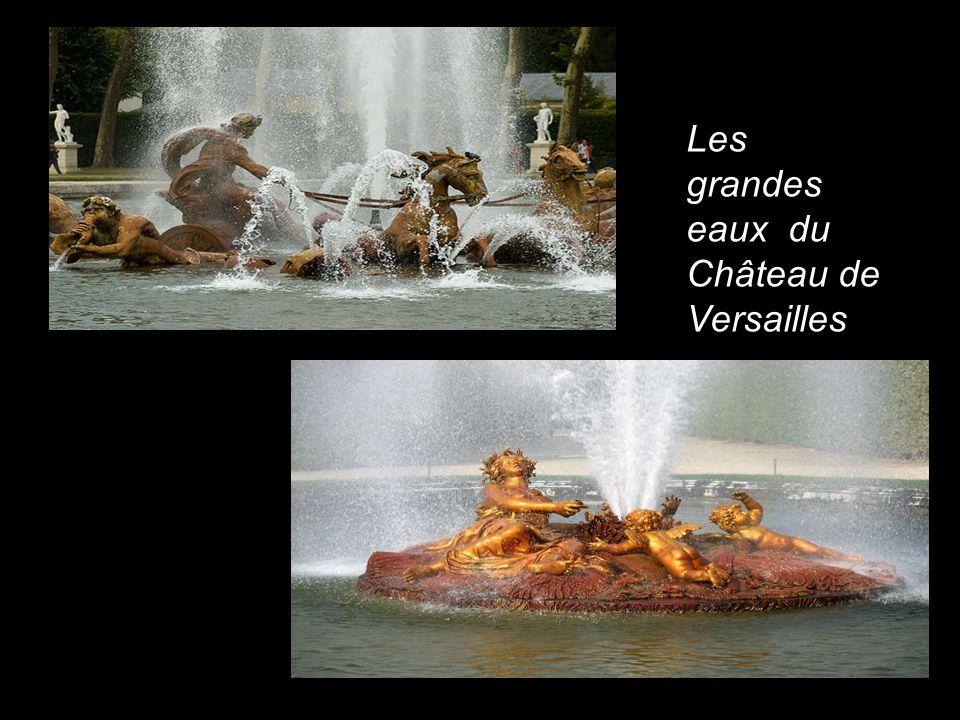 La prestigieuse Galerie des glaces Achevée par Louis le Vau, successeur de Mansart