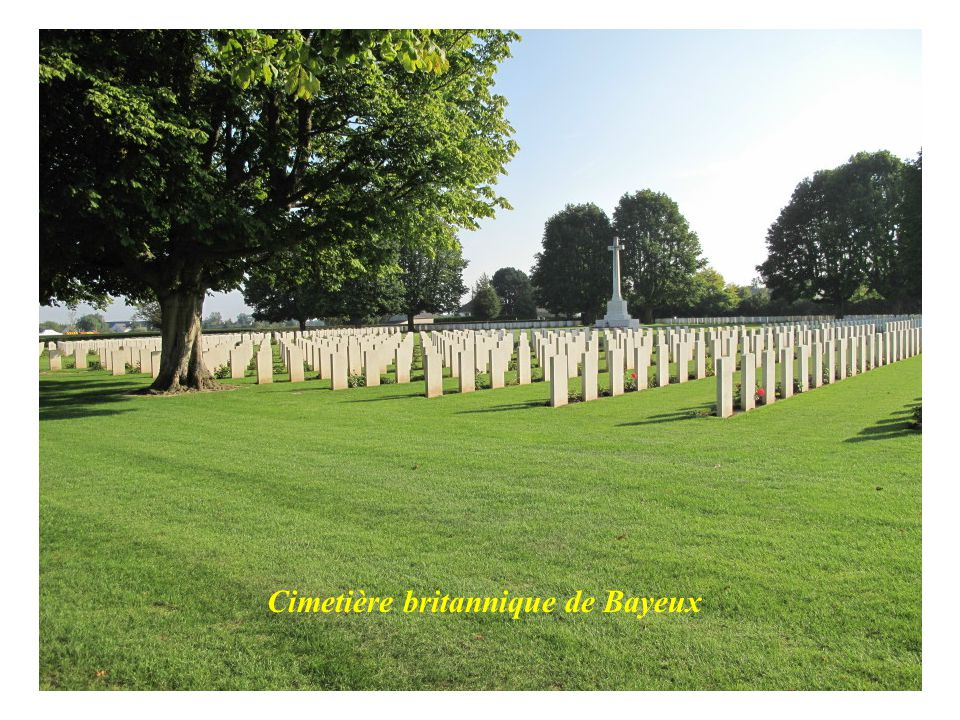 Bayeux : rue commerçante Bayeux : maison dAdam et Eve