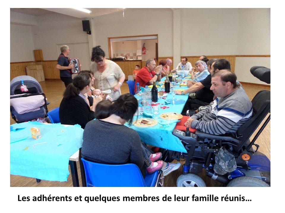 Les adhérents et quelques membres de leur famille réunis…