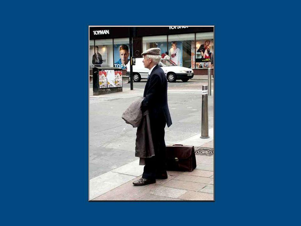 Celui qui meurt de vieillesse est le dernier à en convenir... Docteur Carl Schweitzer