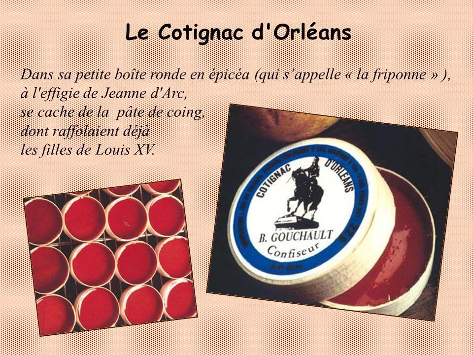 Créé en 1953 en hommage à la soie richesse de la ville, le cocon est un bonbon de pâte damande, fourré dun praliné à la noisette, parfumé au curaçao.