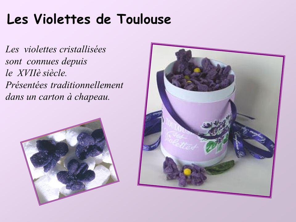 Le Touron basque Le Touron catalan Pâte d'amandes, faite au miel et garnie de pistaches ou de fruits confits. Sans oublier le rouge et le vert du drap