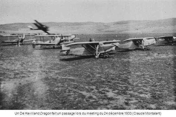 En 1934, Le moniteur André Heinzelmann vient avec un Luciole de lEntreprise nord-africaine daviation pour assurer lécole de pilotage – Henri Pupier est debout et Rostaing sur la roue – André Heinzelmann, sous-lieutenant pilote, disparaîtra dans la baie dAlger le 23 août 1945, avec un Lockheed 18 du RLAF (Claude Montalant)