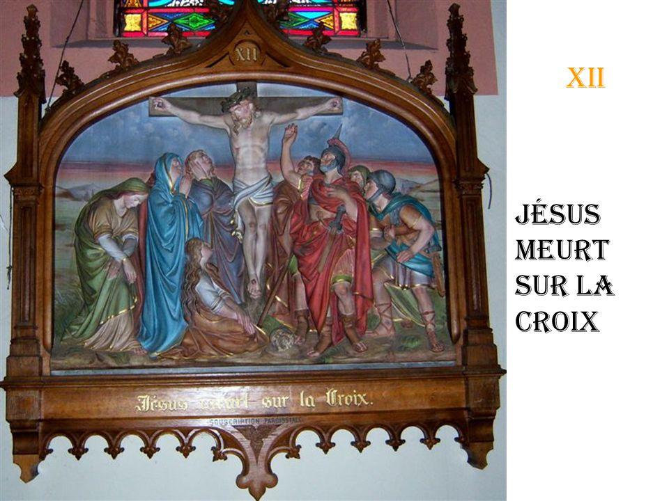 xi Jésus cloué à la croix