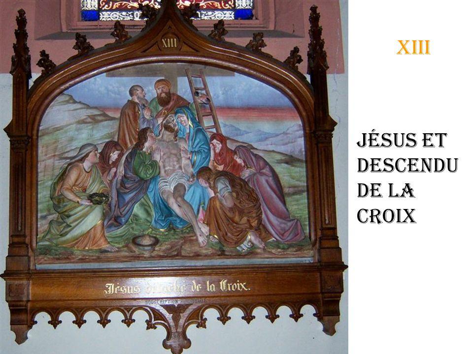 xii Jésus meurt sur la croix