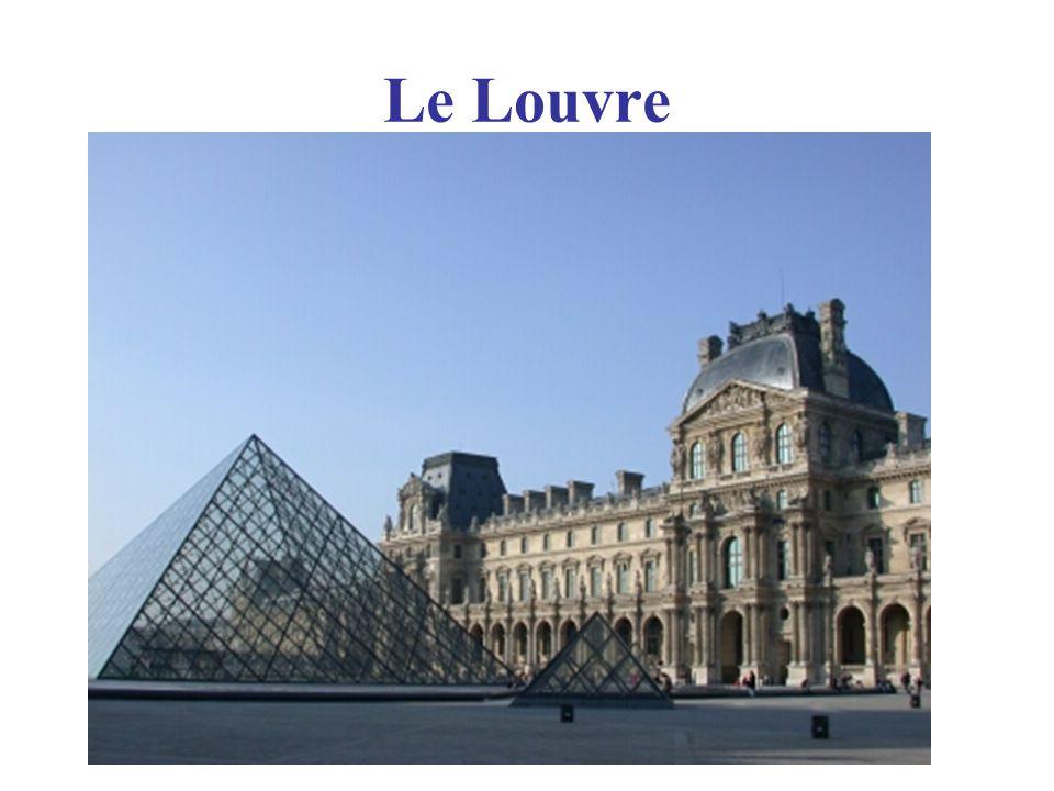Les Bateaux Mouches: (tour boats on La Seine river in Paris)