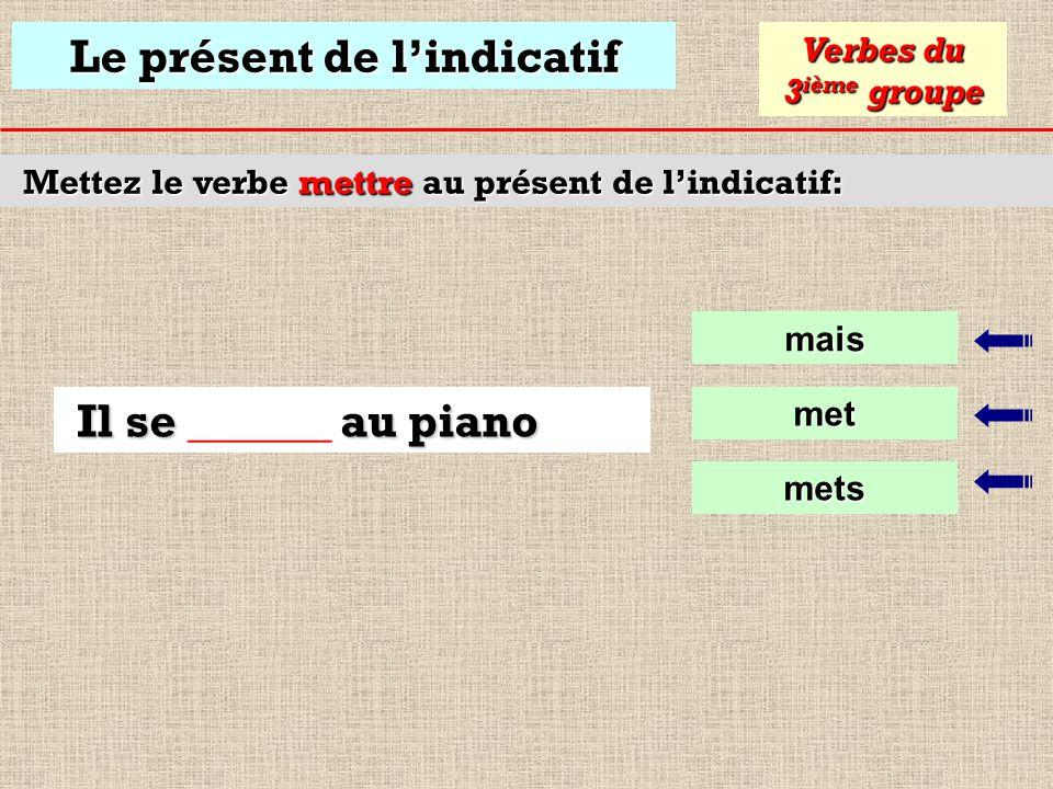 Le présent de lindicatif Mettez le verbe courir au présent de lindicatif: courons Verbes du 3 ième groupe courrons Nous courons dans les bois courront
