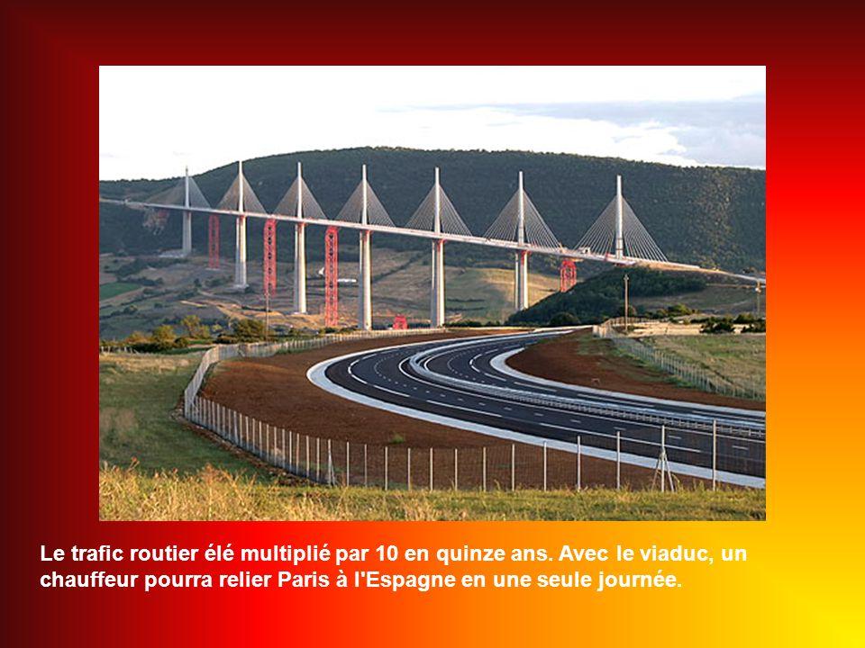 Le viaduc aura coûté 400 millions d euros, soit l équivalent de 60 km d autoroute en plaine et deux fois moins que le Queen Mary 2 .