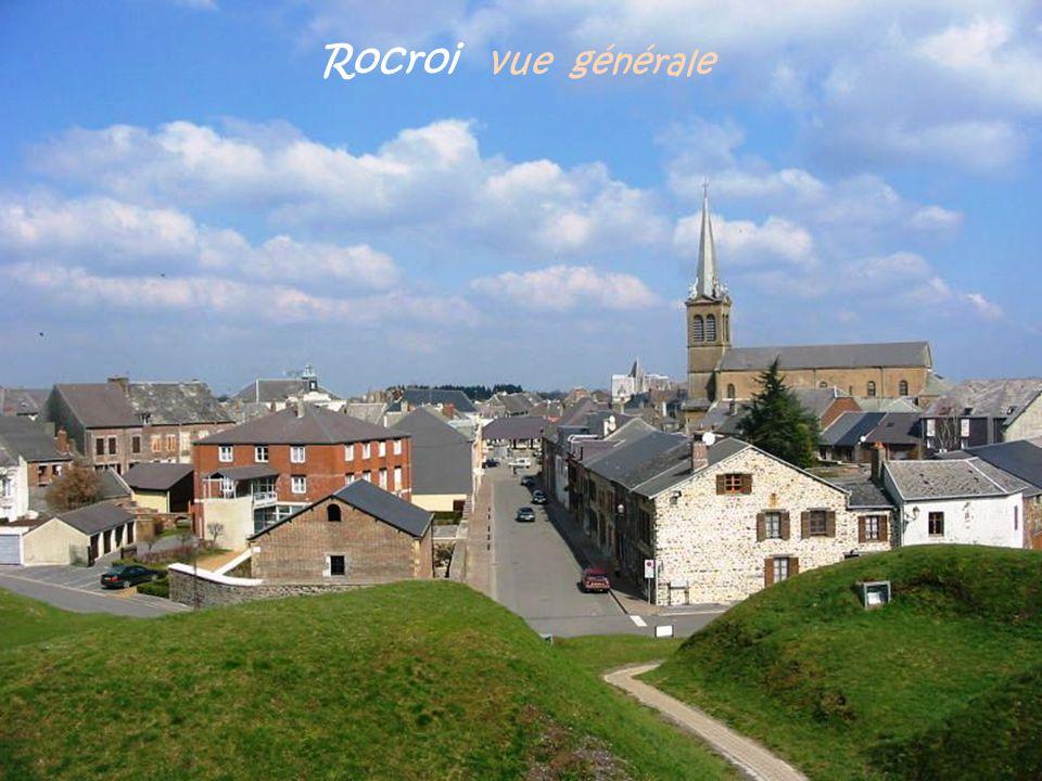 Puits de lardoisière Saint-Quentin Ancien treuil, ardoisière Saint-Brice. R i m o g n e Wagon ou baril pour remonter lardoise du fond de la mine