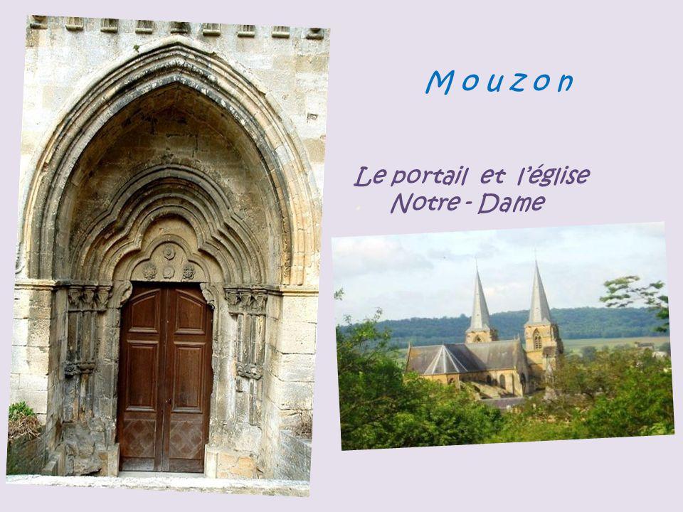 M a r g u t Ermitage de Saint-Walfroy Vierge sur sa chapelle, près de lErmitage de Saint-Walfroy