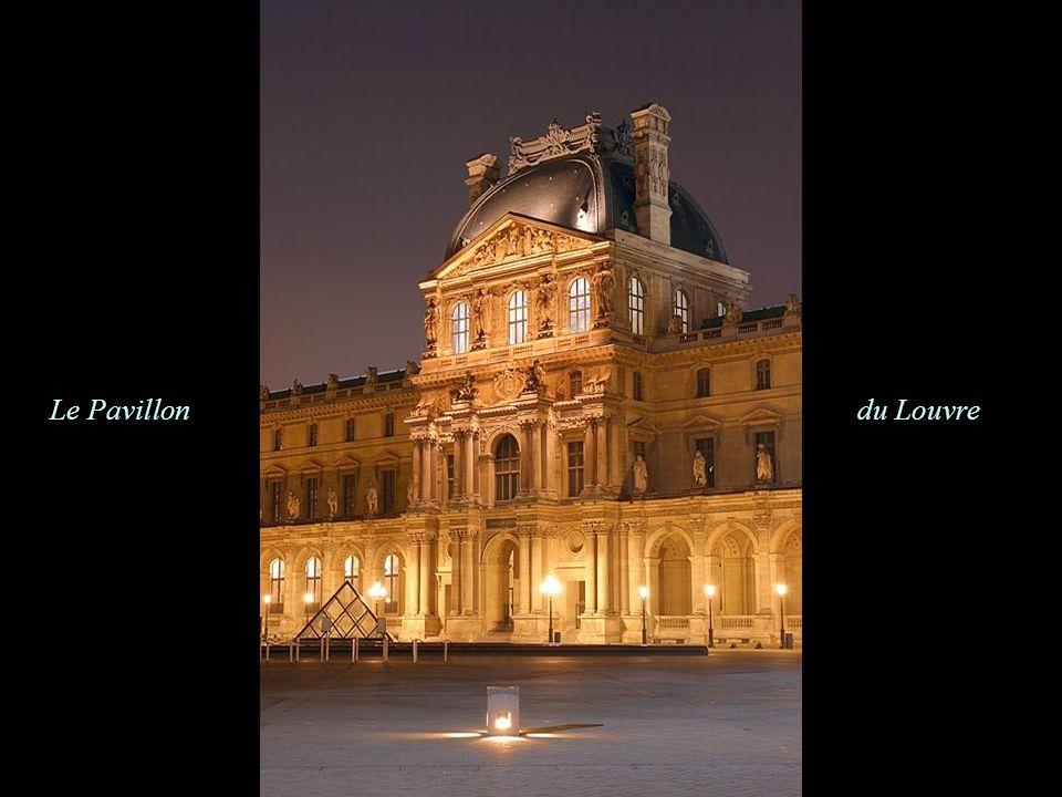 Le Pavillon du Louvre