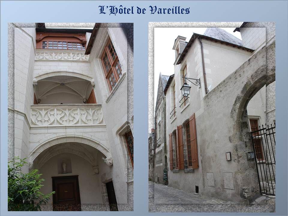 A lépoque de Louis X11, plusieurs hôtels particuliers se construisent. Lhôtel de Vareilles a été édifié sur des fondations dune ancienne demeure du 13