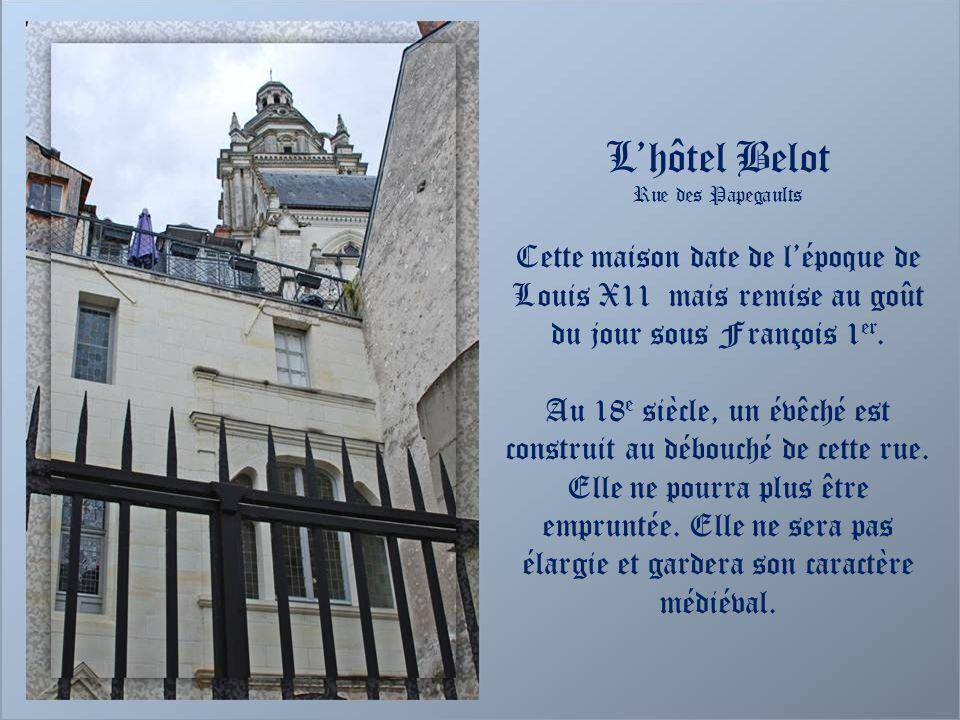 Maison de limage Saint-Michel Elle doit son nom à une statue de larchange Saint-Michel qui a disparu. Au 17 e siècle, elle est la propriété dHercule d