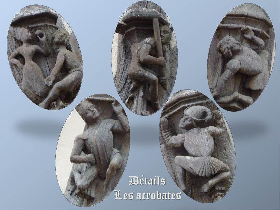 La maison des acrobates La façade est ornée de petits acrobates qui ont permis, grâce à leurs vêtements, de dater la maison (époque Louis X1) Cette ma