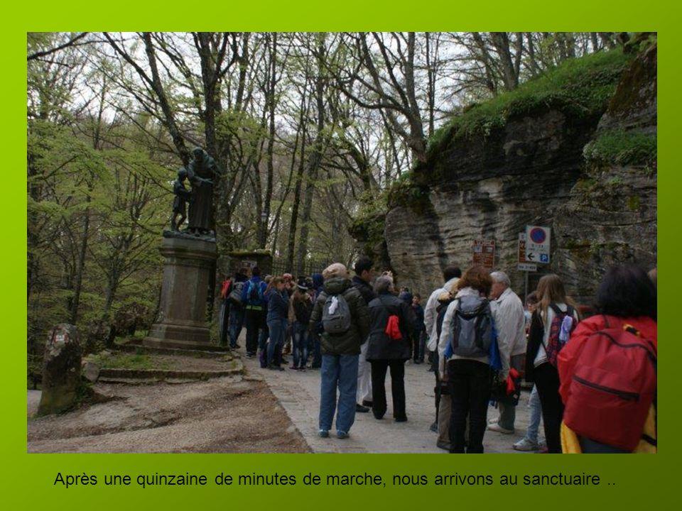 24 avril Nous quittons lhôtel à 8h 30 après le petit déj. Nous partons pour le sanctuaire de la Verna dans la région du Casentino. Il ne fait pas chau
