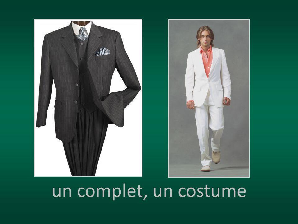 un complet, un costume
