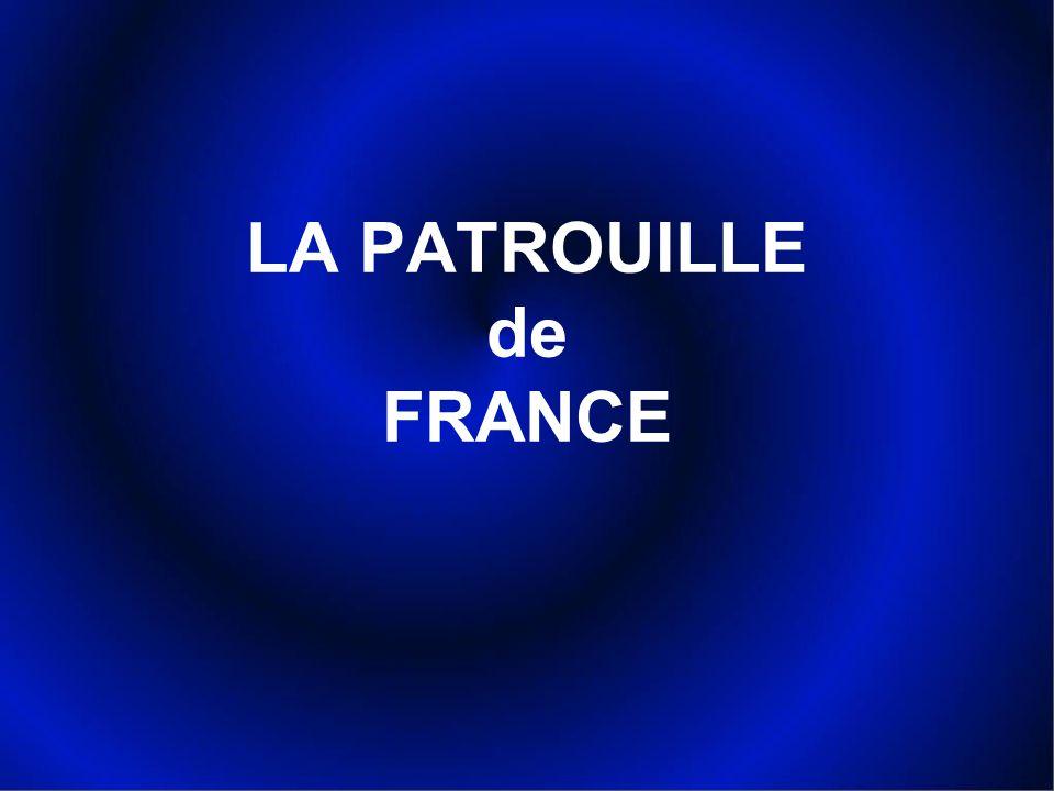 En août 2005, à l occasion d une démonstration annuelle à Perros-Guirec, le photographe Pascal Le Fichant a suivi la Patrouille de France lors de sa préparation puis lors des vols.