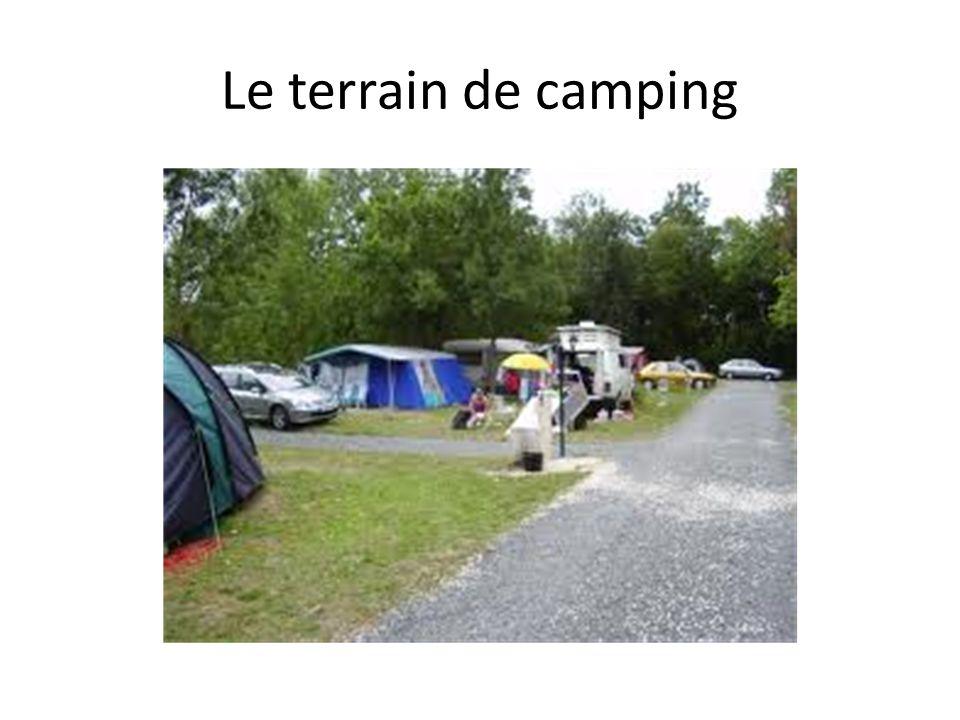 Le terrain de camping