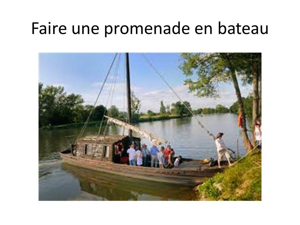 Faire une promenade en bateau