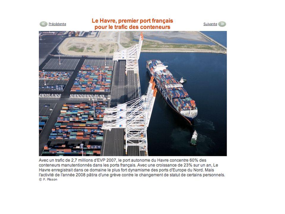 - Le port : un espace de production et déchanges.