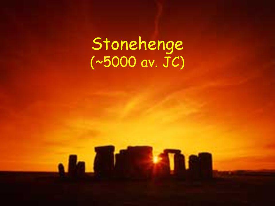 Lobservation du ciel Stonehenge (~5000 av. JC)