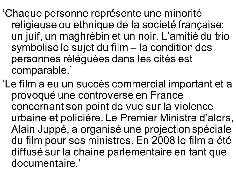 Chaque personne représente une minorité religieuse ou ethnique de la societé française: un juif, un maghrébin et un noir.