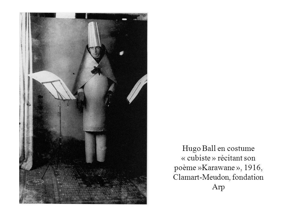 Marcel Duchamp (1887-1968) Jeune homme triste dans un train, 1911, huile sur toile montée sur carton, 100 x 73 cm.