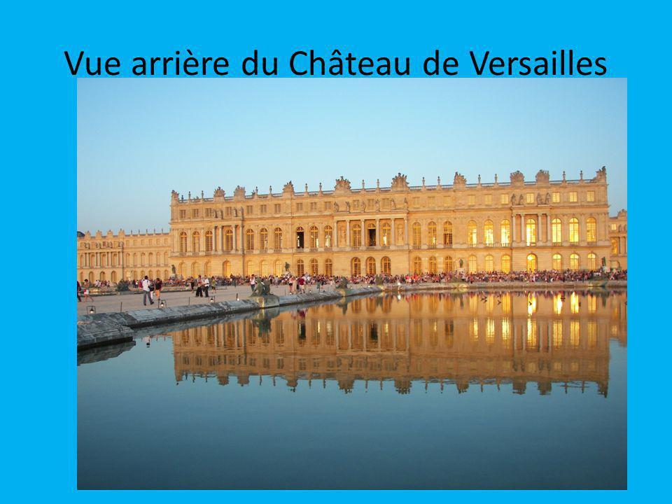 Vue arrière du Château de Versailles