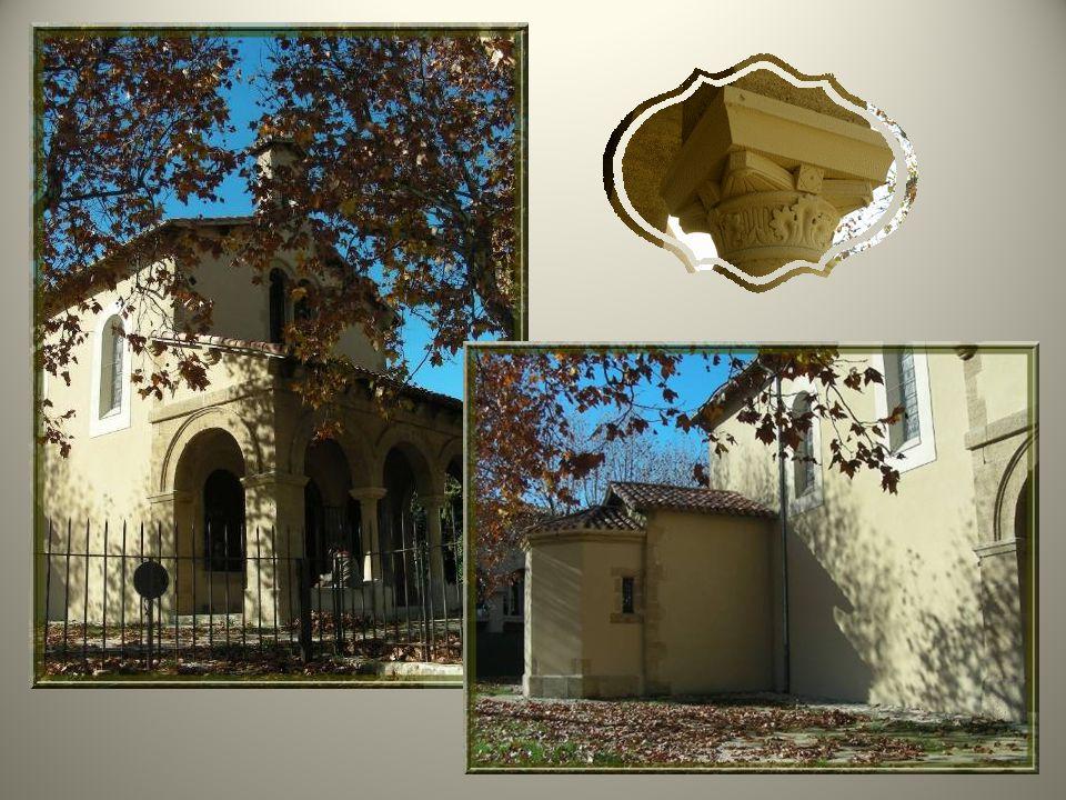Lédifice actuel a été construit à côté de la chapelle du XVIIe siècle. Sur son clocher on retrouve la date de 1865 mais lensemble est plus ancien puis
