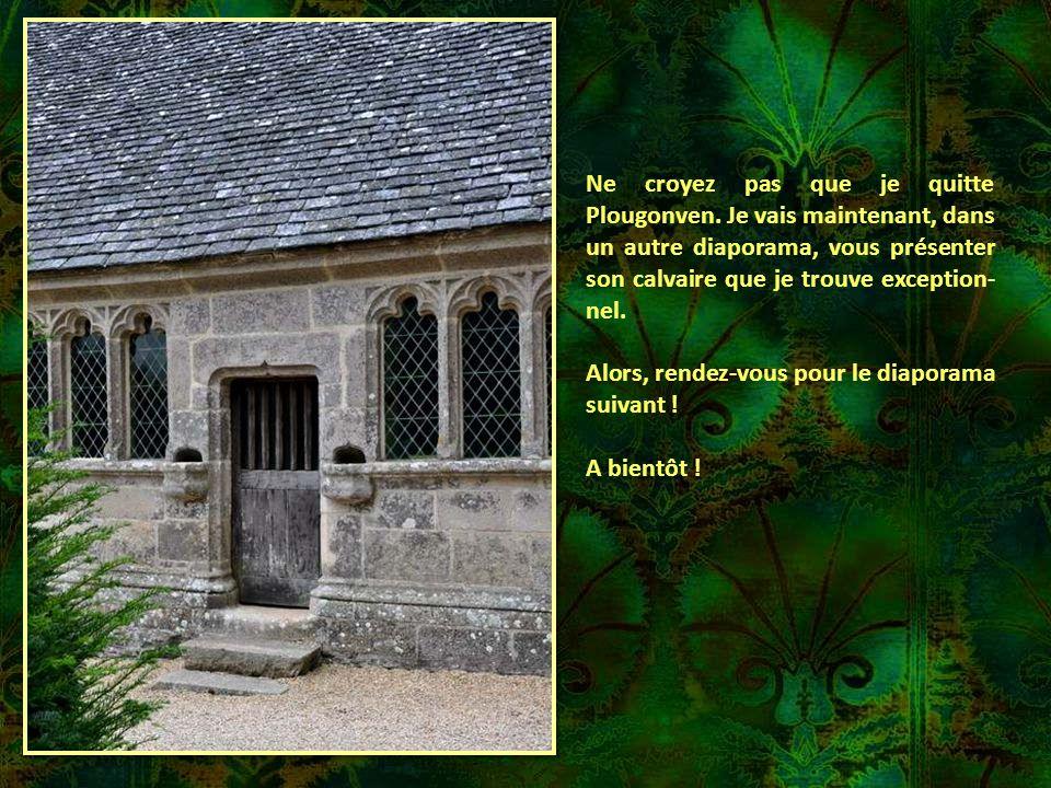 L'OSSUAIRE. Remarquable par ses fenêtres à arcades trilobées, il date du début du XVIème siècle. Les reliques et les ossements ont été transférés en 1