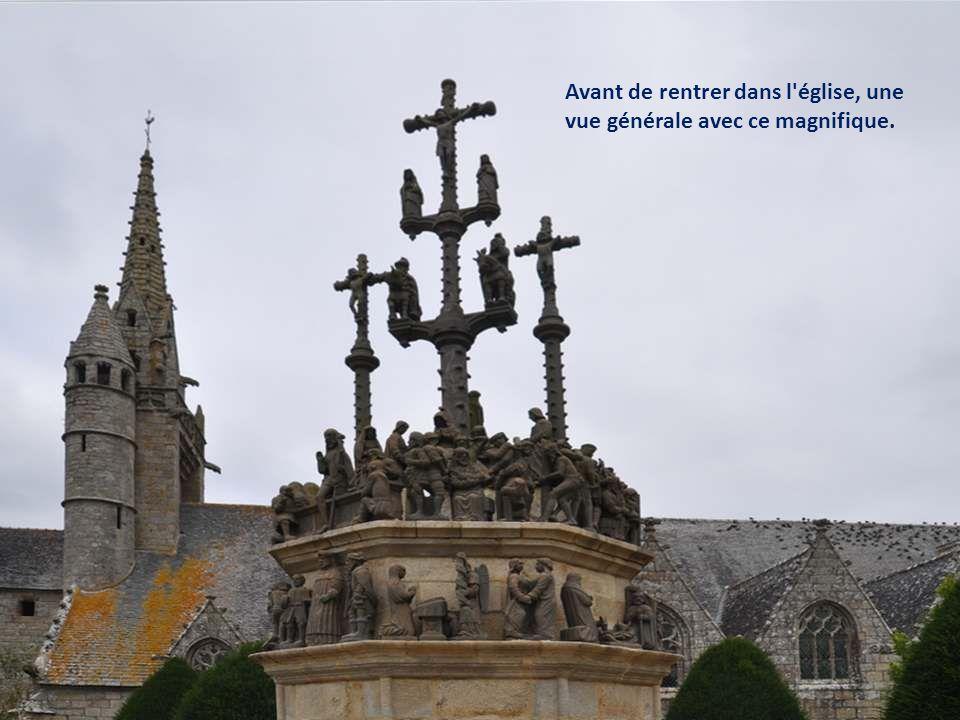 L'EGLISE - Elle a été construite de 1507 à 1523, et dédiée à saint Yves - Le chevet a été modifié en 1702 - Elle a brûlé dans la nuit du 1er mai 1930