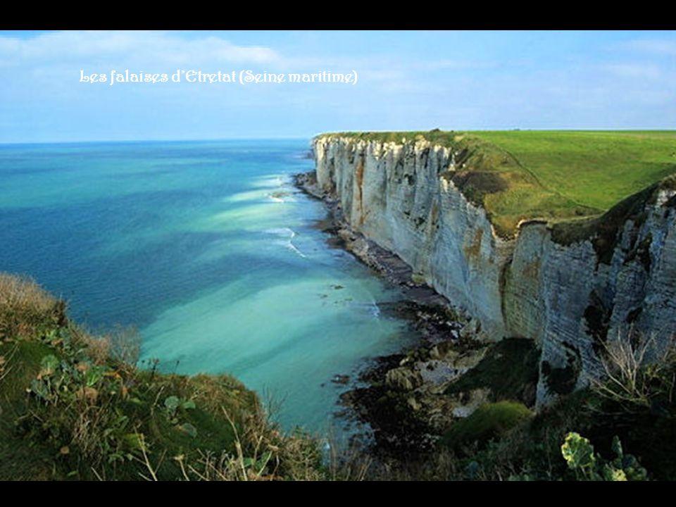 Ornans (Doubs) Belle île (Morbihan) Saorge (Alpes Maritimes) Basilique St Denis