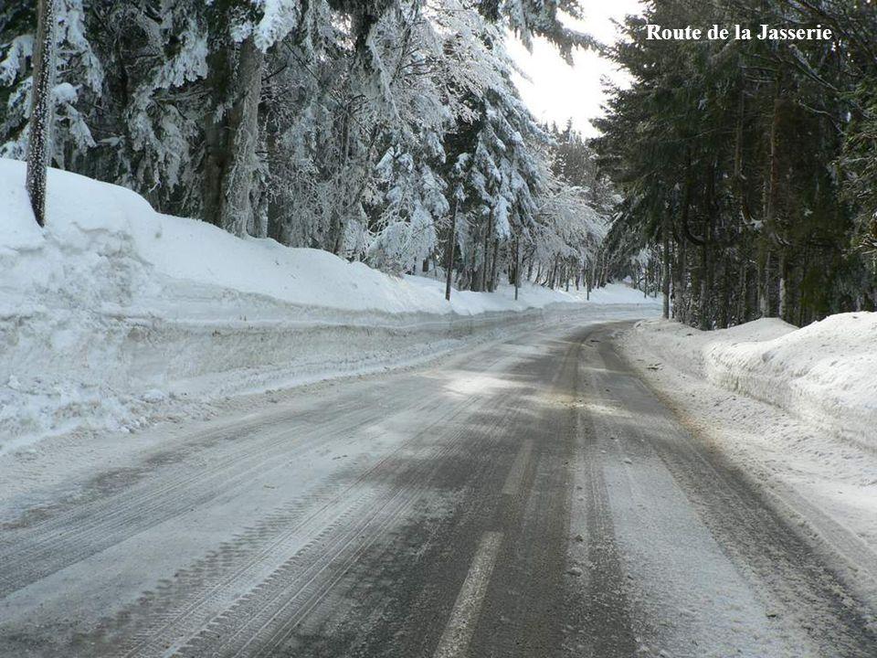 Route vers la Jasserie