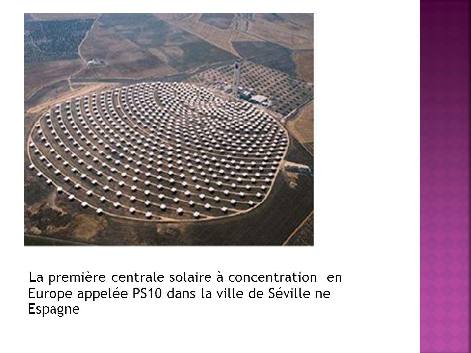 La première centrale solaire à concentration en Europe appelée PS10 dans la ville de Séville ne Espagne