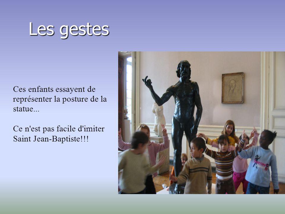 Saint Jean-Baptiste Rodin sculta Saint Jean-Baptiste qui, à la base, avait une croix. Mais Rodin avait supprimé sa croix accentuant ainsi la portée du