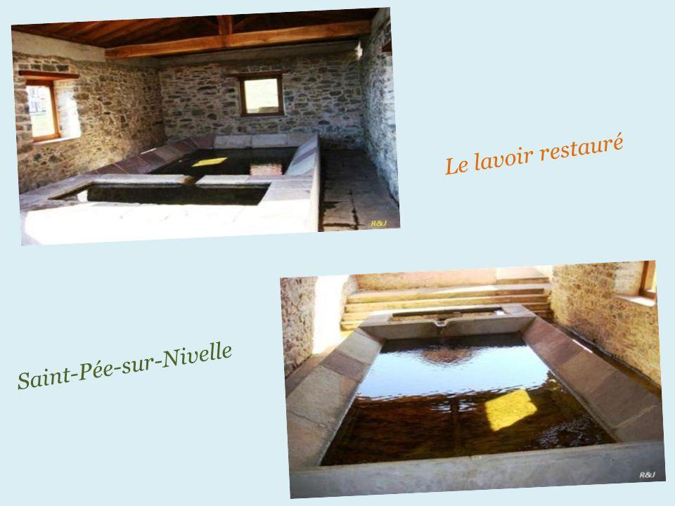 Saint-Pée-sur-Nivelle le lavoir, sa plaque commémorative Date : 1855