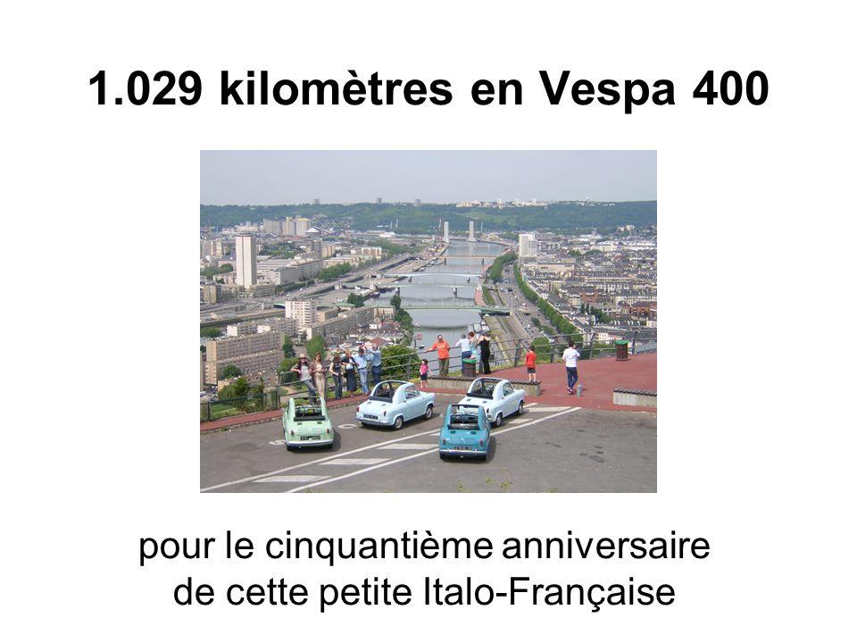 1.029 kilomètres en Vespa 400 pour le cinquantième anniversaire de cette petite Italo-Française