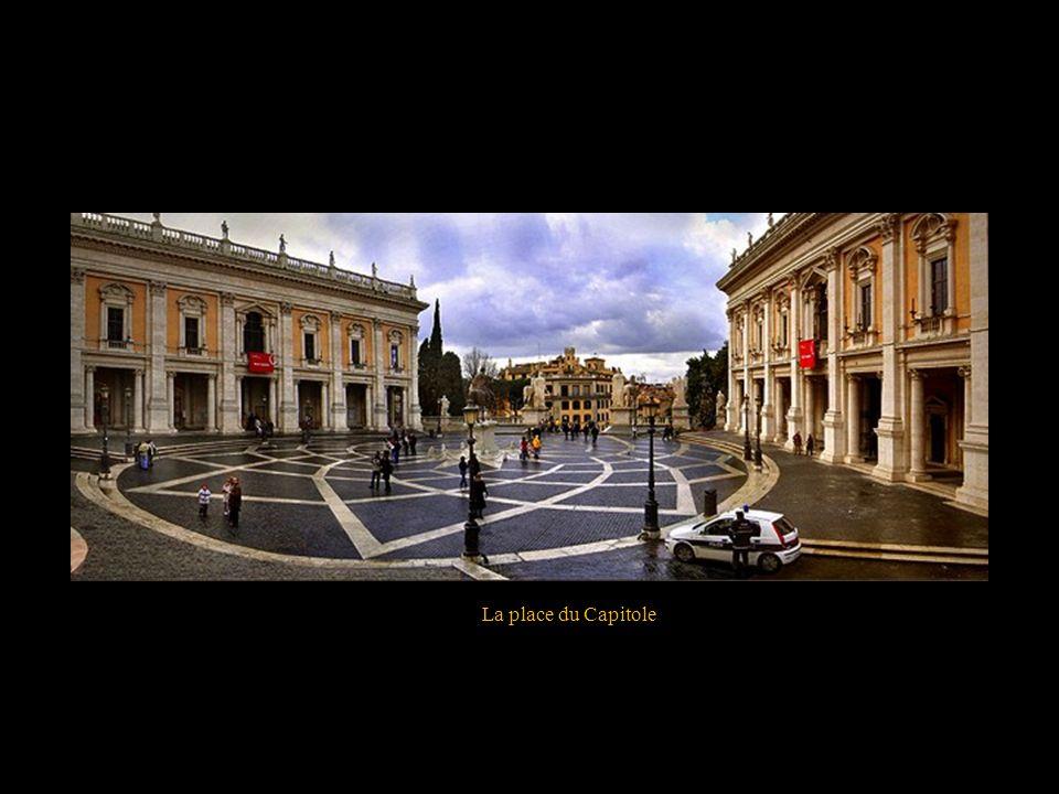 La fontaine del Nettuno Piazza del Popolo