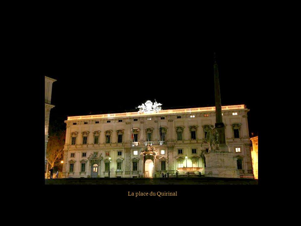 La piazza dell Colona