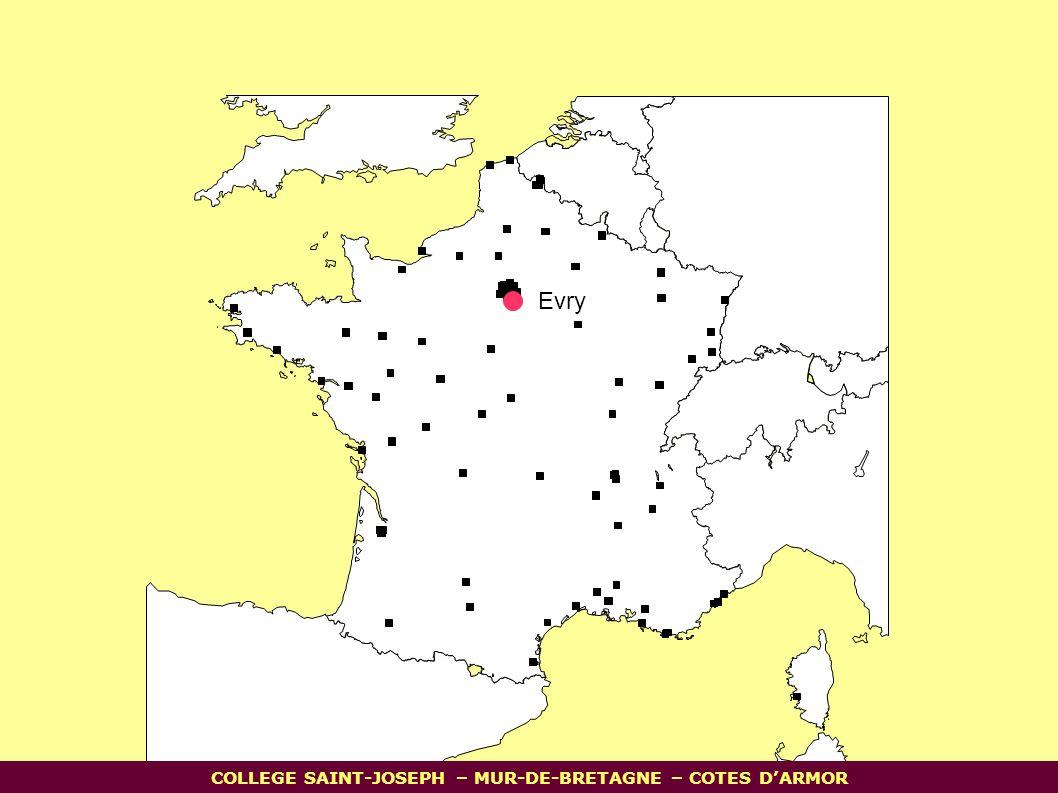 3) Des infrastructures: Grands axes autoroutiers de liaisons européennes Voie navigable au gabarit européen Tunnel sous la Manche Evry COLLEGE SAINT-JOSEPH – MUR-DE-BRETAGNE – COTES D'ARMOR