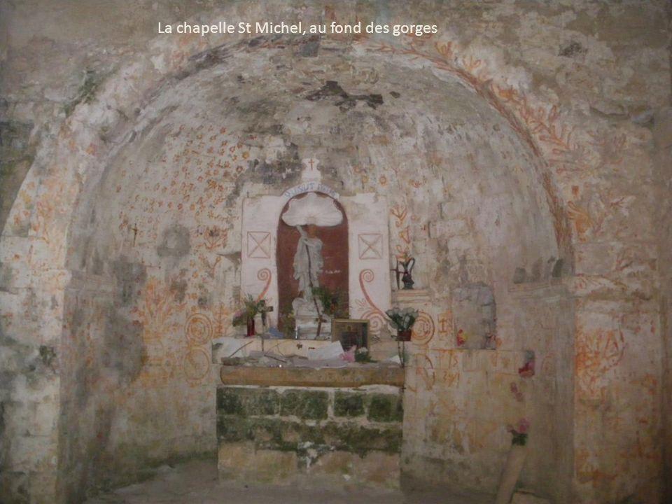 La chapelle St Michel, au fond des gorges