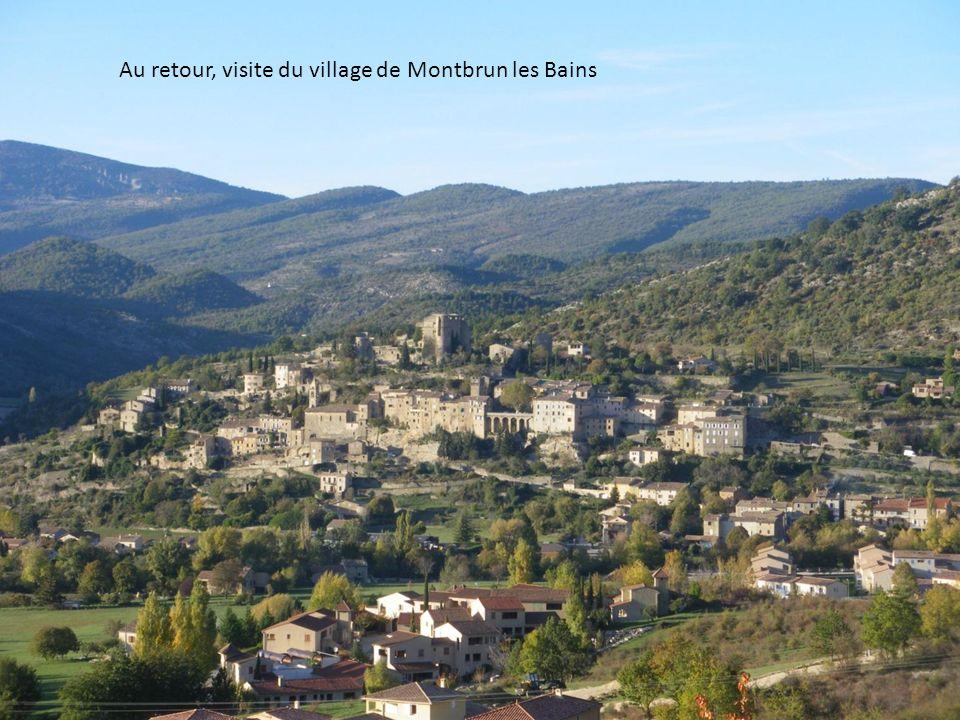 Au retour, visite du village de Montbrun les Bains